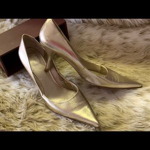 Metallic gold pumps leather size 9